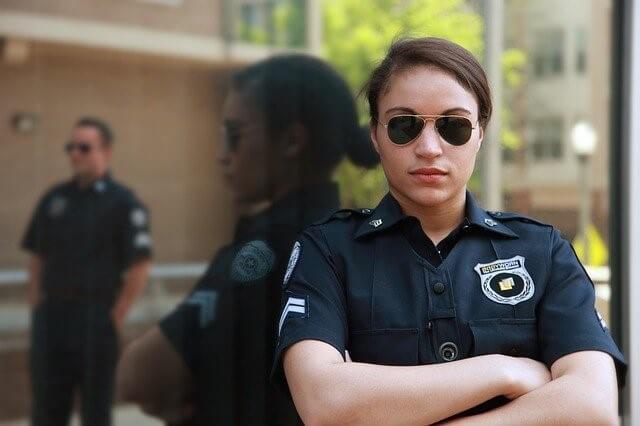 ネカフェでセックスするのは犯罪?